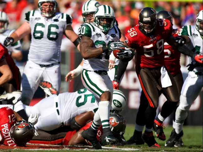 With No Real QB, Jets Still Stop Bucs
