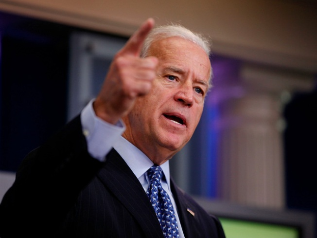 Joe Biden's Air Force Two Plane in Incident at L.I. Airport