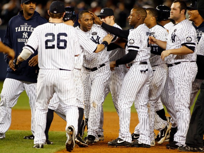 Yankees Wake Up Just in Time to Make the Playoffs