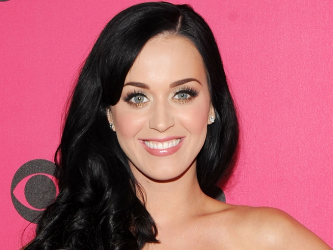 "Katy Perry Asked For Photo Revision on ""Divas"" Poster"