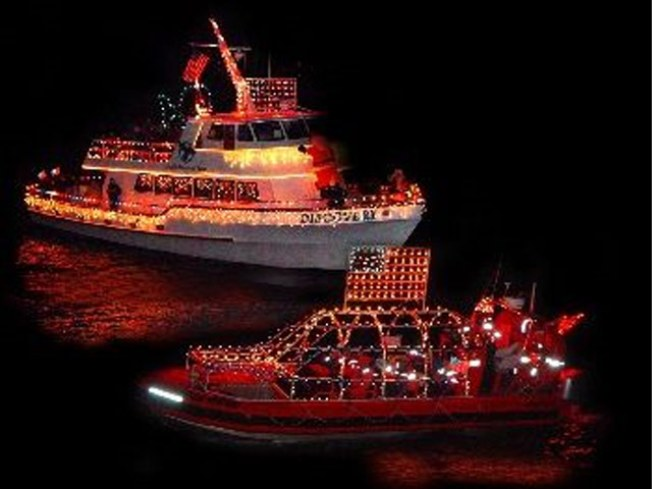11/27-28: Lighted Boat Parade, U2's Spider-Man Arrives on Broadway…