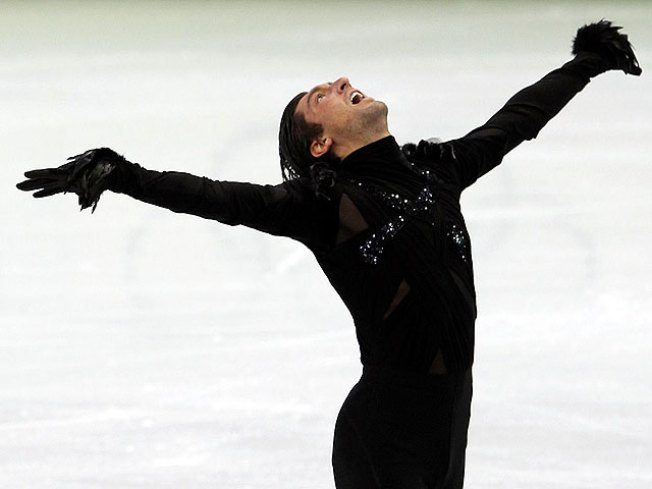 Lysacek's Emotional Skate Sets Up 3-Way Race for Gold