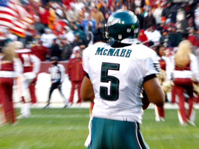 Giants Will Recognize Donovan McNabb, If Not His Jersey