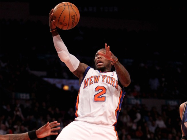 Knicks Find a Win as Chris Duhon Takes a Seat