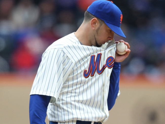 Oliver Perez's Activation Sends Very Bad Message About the Mets