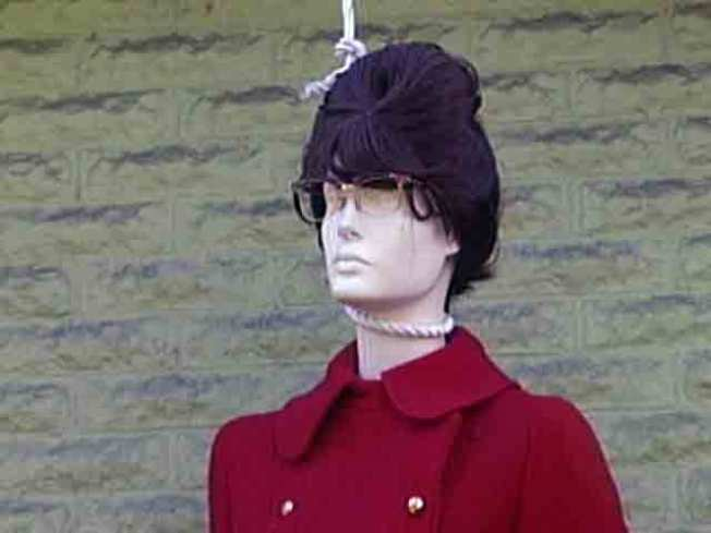 Palin Fan Purchases Effigy with Noose By Mistake