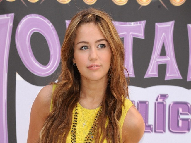 "Rep: Miley Cyrus to End ""Hannah Montana"""