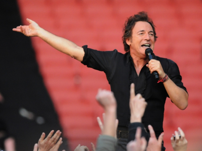Live This Week: Springsteen, Dane Cook, Ray Lamontagne…