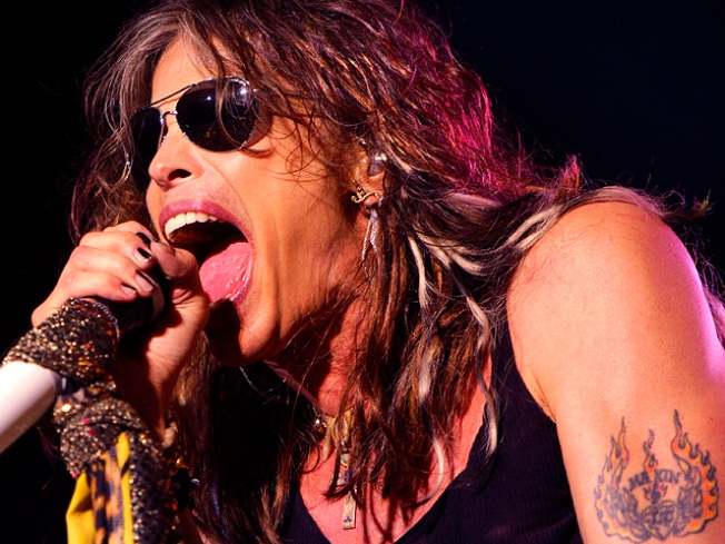 Steven Tyler Goes to Rehab for Pain Med Addiction