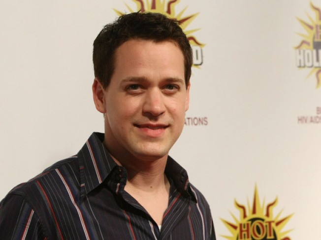 "Former ""Grey's Anatomy"" T.R. Knight Returning to Broadway in Mamet Play"