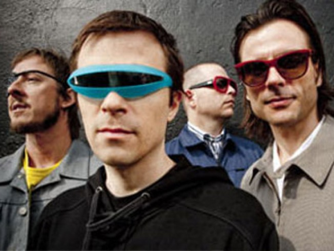 7/16: Weezer on the Waterfront, NYPhil + Fireworks, Bats!