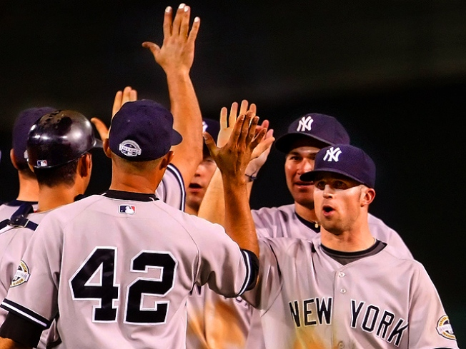 After 12 Innings, Yanks Will Face Twins in Playoffs