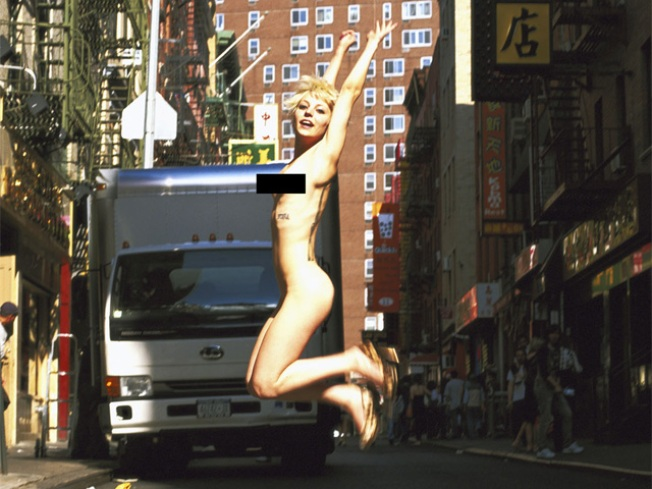 Photog Puts Naked New Yorkers on Display