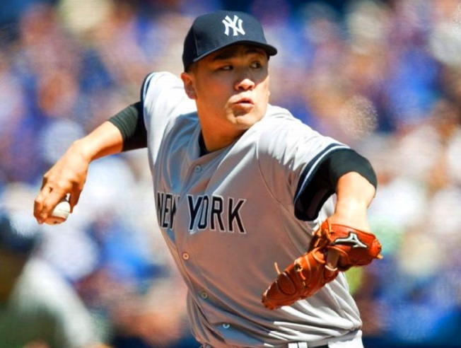 Tanaka Tosses Five-Hitter as Yanks Beat Jays, 4-1