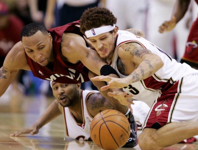 NBA Wrap: Cavaliers Cool Off Heat 93-86