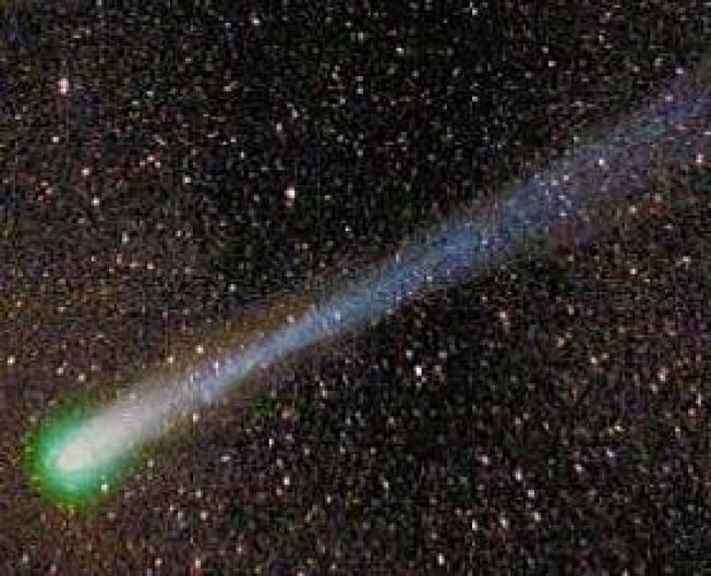 Green Comet Will Zoom Backwards Past Earth