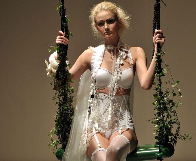Heiress-Supermodel-Socialite-Journalist Drops Magazine Gig