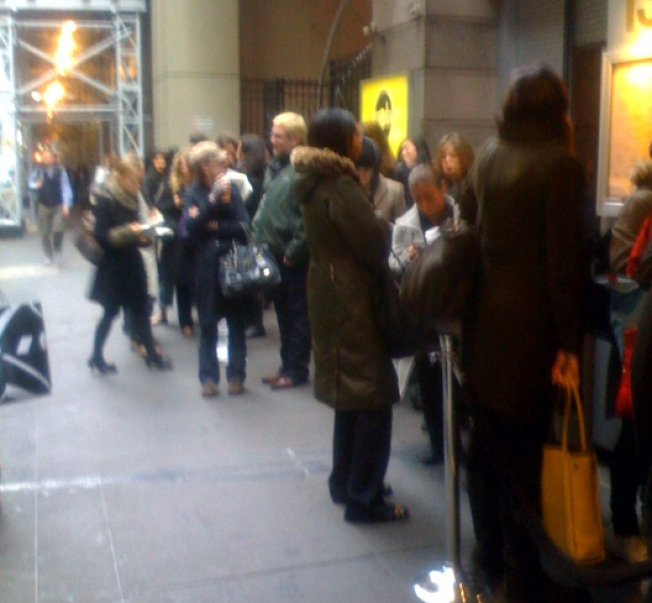 Lineblogging: Chloé Sale Sees Huge Turnout