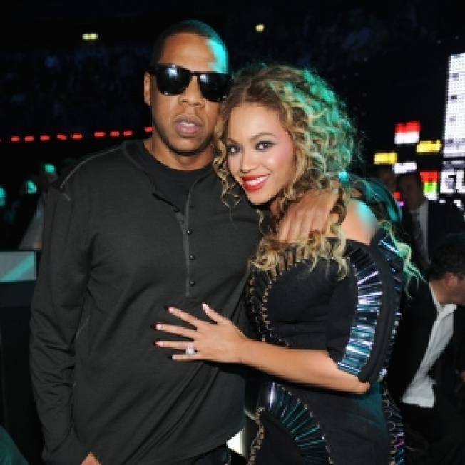 "Beyonce Thanks Jay-Z At MTV Europe Music Awards for ""Putting A Ring On It"""