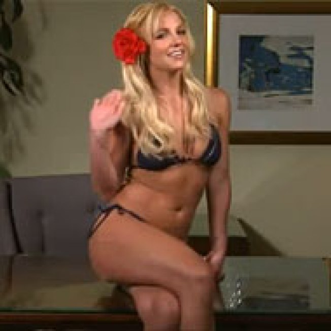 Britney Spears Delivers Her (Pre-taped?) Top 10 in a Bikini