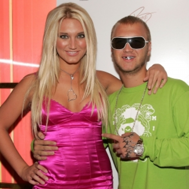 Brooke Hogan Blogs About Nick Hogan's Impending Jail Release; Asks For Public To Be Kind