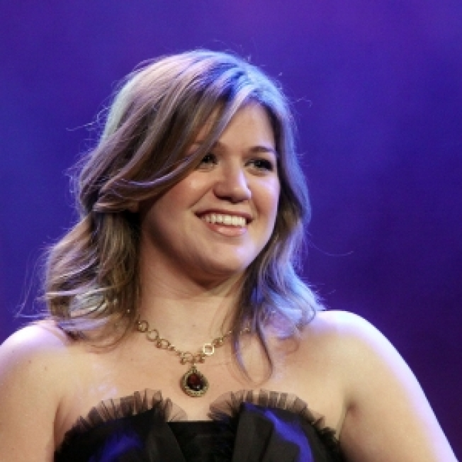 Kelly Clarkson: Dating Is 'Just Draining'