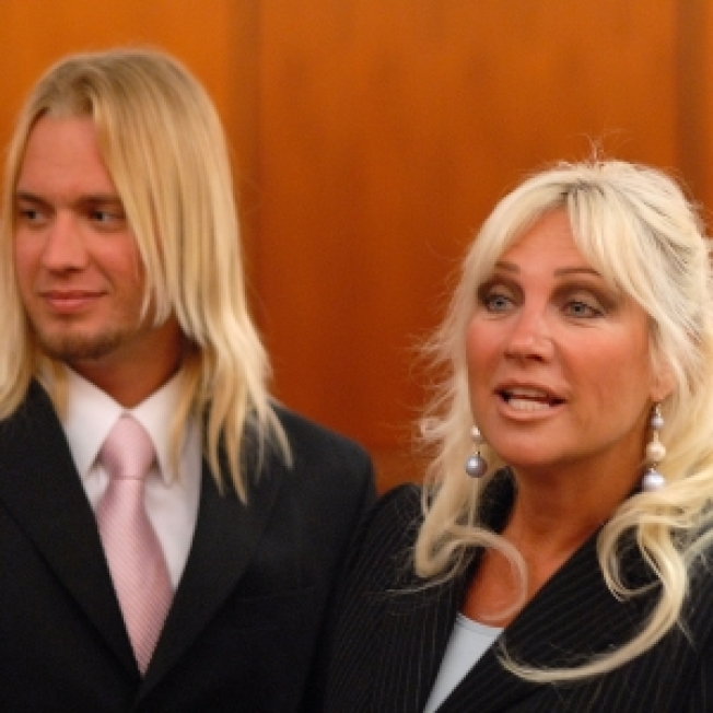 Hairdresser Claims Linda Hogan Used Alimony Money On Drugs
