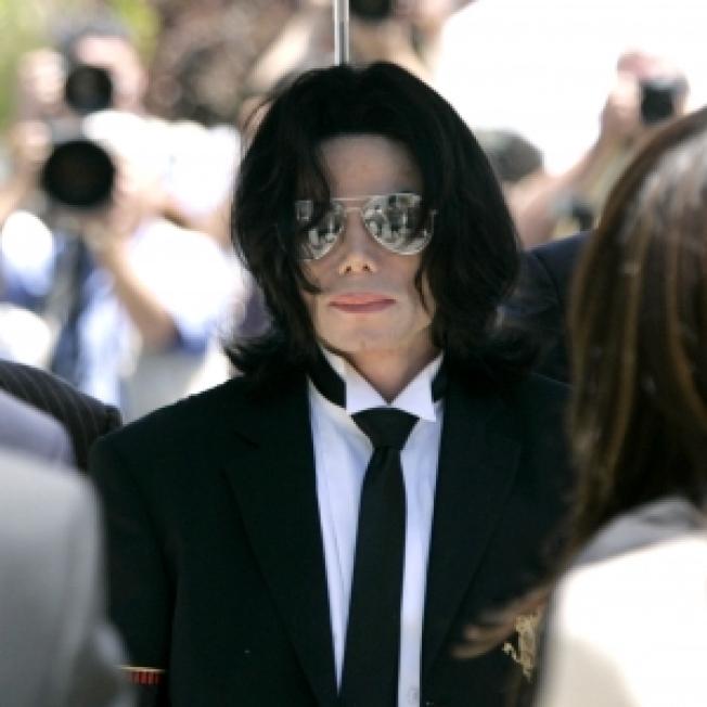 Report: At Least Five Doctors Under Investigation In Michael Jackson Death