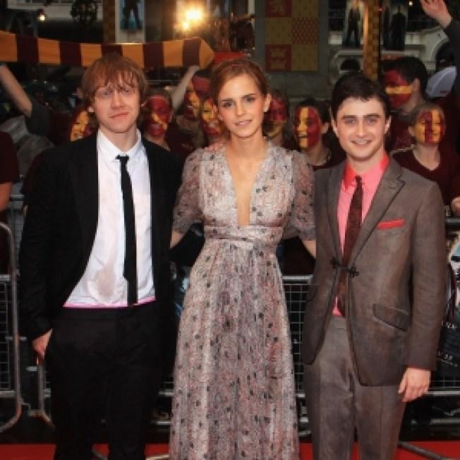 Daniel Radcliffe, Emma Watson Brave The Rain For 'Harry Potter & The Half Blood Prince' Premiere
