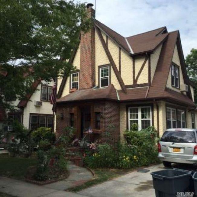 Auction for Donald Trump's Boyhood NYC Home Postponed
