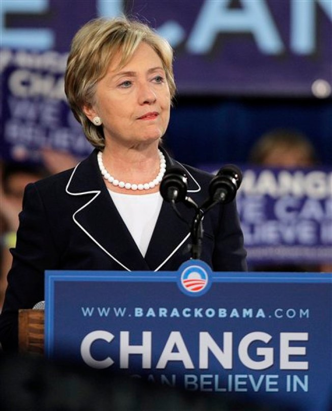 Obama, Clinton Forging Last Minute Truce