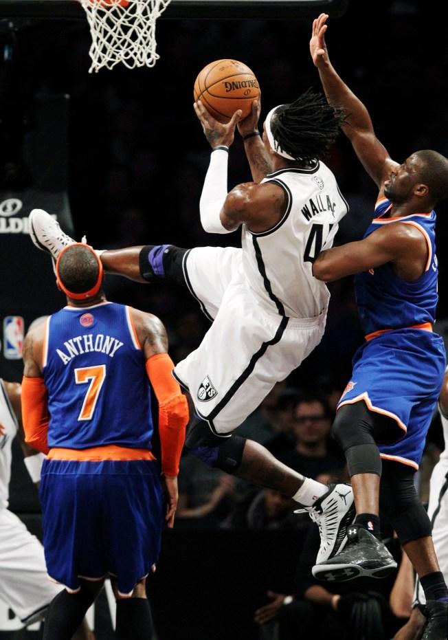 Anthony Scores 45, Knicks Rally to Beat Nets