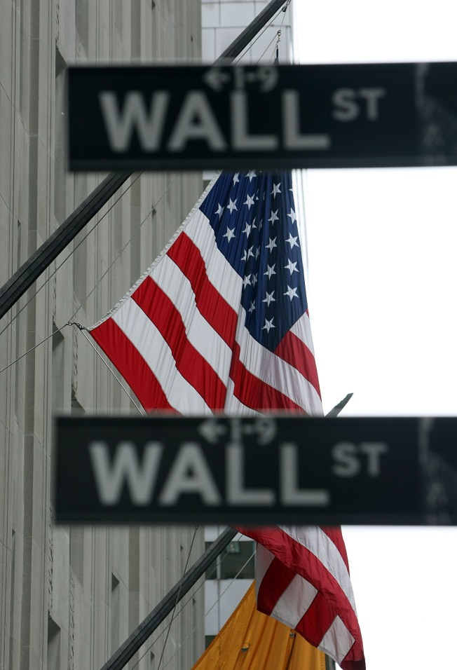 Back off on Wall Street: Bloomberg