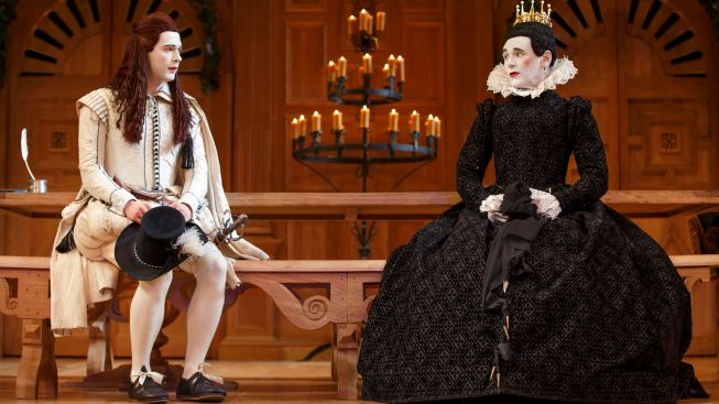 "Review: ""Twelfth Night,"" ""Richard III"" Offer Shakespeare for the Purist"