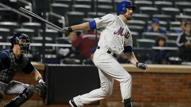 Davis' Homer in 9th Gives Mets 2-1 Win Over Astros