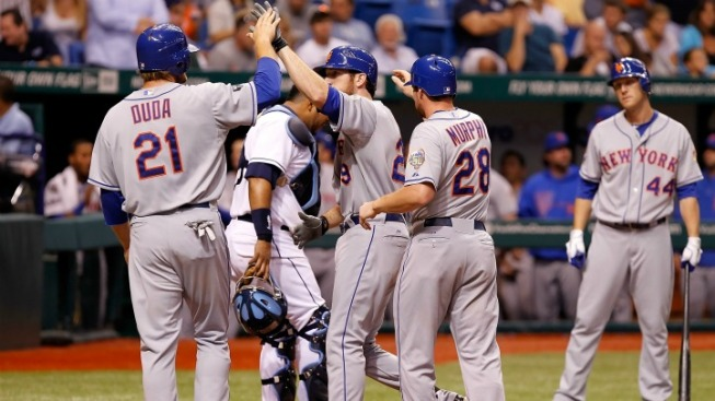Mets Stop Falling in Time to Win a Game