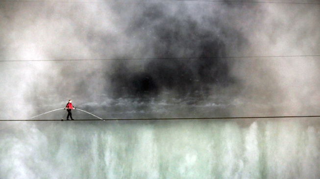 Daredevil Nik Wallenda Exuberant After Wire Walk Across Niagara Falls