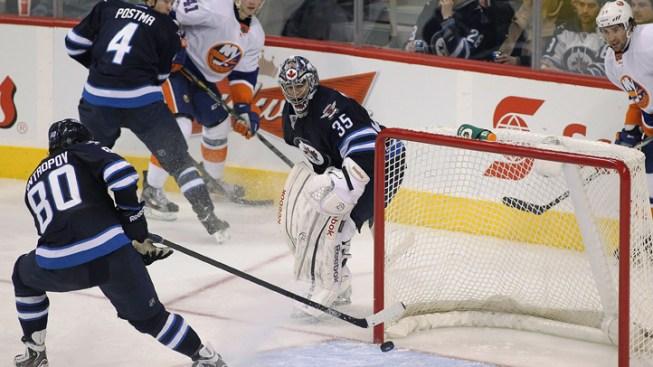 Jets Rally to Beat Islanders 5-4 in OT