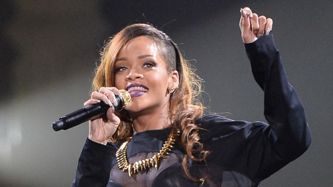 Rihanna Wins Topshop T-Shirt Legal Battle
