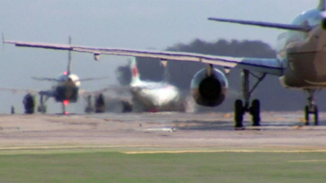 Engine Fire Forces Plane to Return to Newark Airport: Port Authority