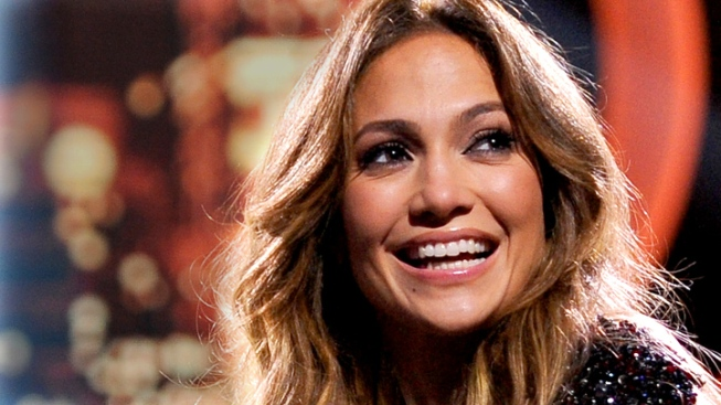 Jennifer Lopez to Produce TV Pilot