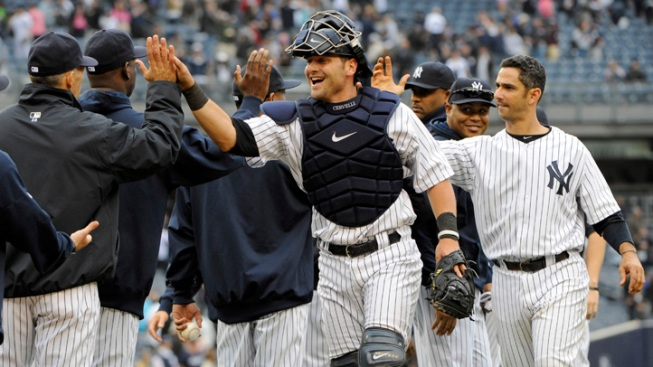 Yankees Take Series From Mets Behind Furious Rally