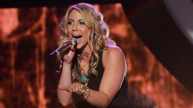 """""""Idol"""" Judges Put Pressure on Elise Testone"""