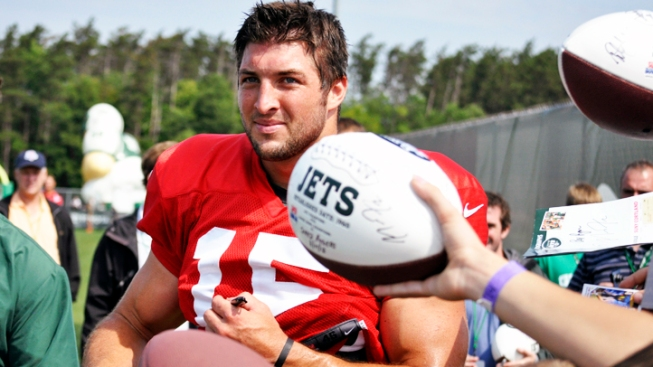 Tebow Balancing Faith, Fame and Football With Jets
