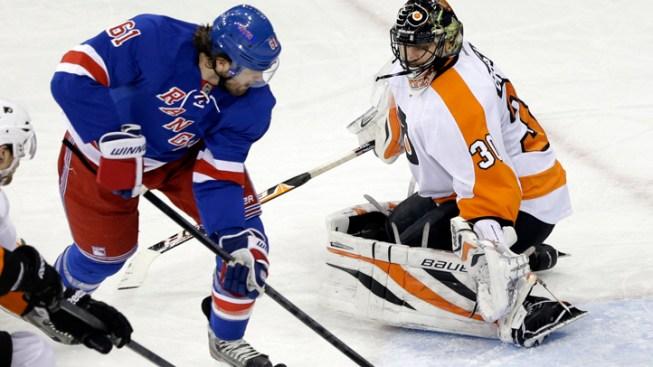 Nash's 2 Goals in 3rd Lift Rangers Over Flyers