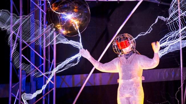 David Blaine Wraps Up High-Voltage Stunt in NYC