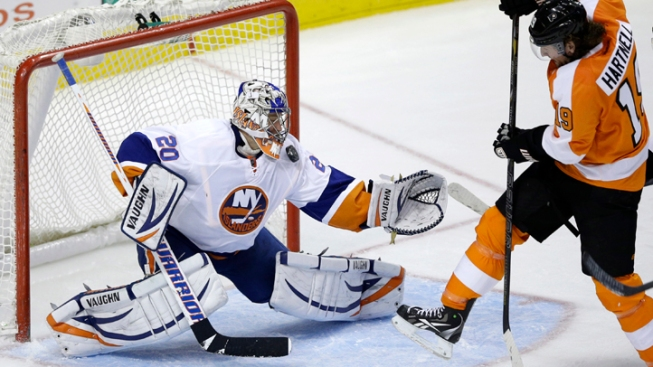 Islanders Top Flyers 4-3 in Shootout