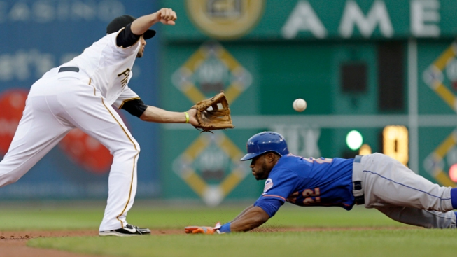 Mets Edged Out by Pirates 3-2 in 11 Innings