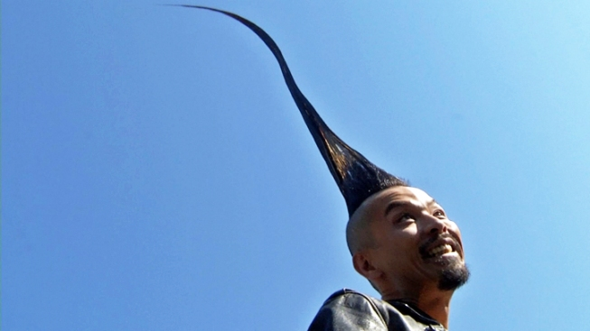 Man Shows Off Guinness' Tallest Mohawk in Washington Square Park
