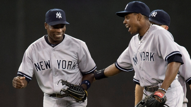 Alfonso Soriano Hits 2 HRs as Yankees Beat Orioles 7-5